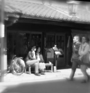 rolleiflex-sl66-with-ttl-meter-finder--filmed-by-homemade-lens-using-a-x23-magnifier-lens-kodak-tri-x-400--kawagoe-festival-kawagoe-shi-japan-march-26-2016_26227636231_o.jpg
