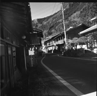 rolleiflex-sl66-with-ttl-meter-finder--filmed-by-rollei-hft-planar28--80-ilford-delta-400--yellow-filter-location-foot-of-mt-asama-nagano-and-nanmoku-village-gunma-japan-january-10-2016_24254389380_o.jpg