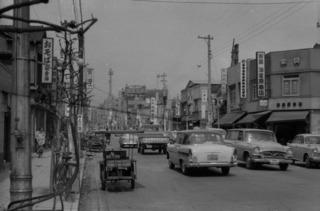 tokyo-50s-probably-1959_16961712772_o.jpg